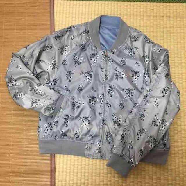 3Lサイズ・花刺繍リバーシブルスカジャン&ブルゾン。ブルー < 女性ファッションの
