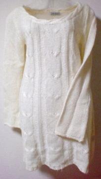 新品*タグ付*ホワイトニットワンピース*白*らせんチェック編み
