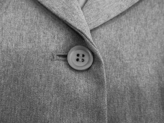 【MON AMI PIERLOT】素敵なグレーのスーツです < 女性ファッションの
