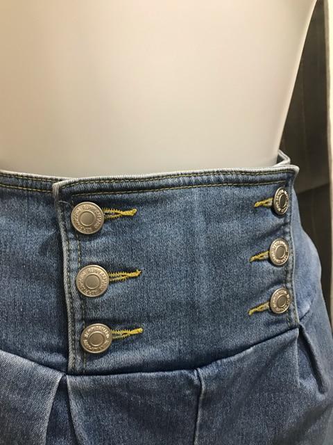 デニム ショーパン ショートパンツ中古品 < 女性ファッションの