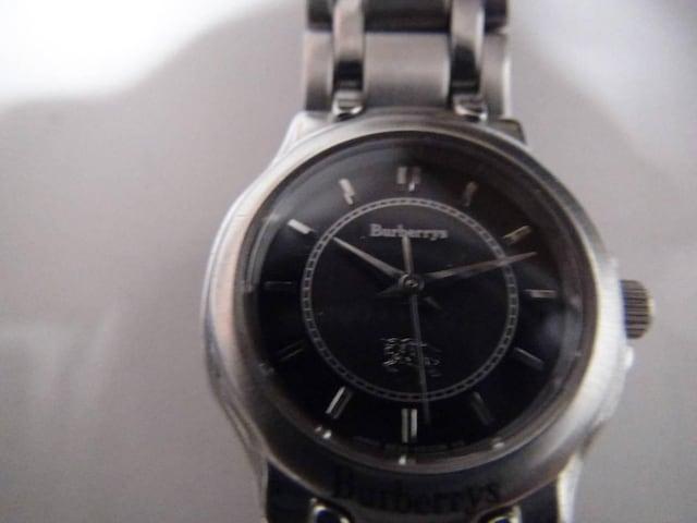 バーバリーの腕時計レディース  ソーラー 電池切れ!。 < 女性アクセサリー/時計の