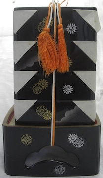 伝統工芸!雛人形/小道具「お重箱」中古品0124