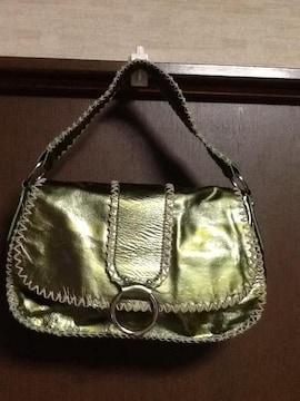 エナメルレザーバッグ