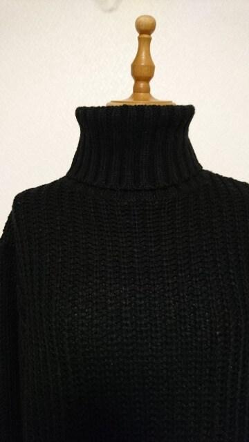 タートルニット 黒 < 女性ファッションの