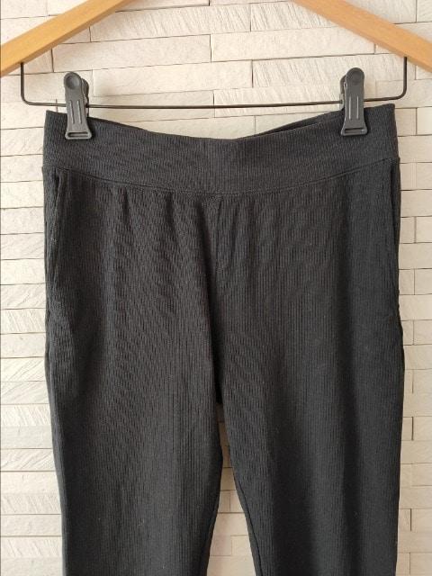 ユニクロ ウルトラストレッチ リブ レギンス ポケット付 黒 M-L