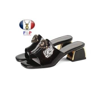 エナメルハラコレザー飾り物付ミュールサンダルスリッパ子牛革靴