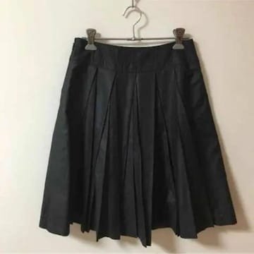 ROPEロペ 黒ブラック サテン光沢 プリーツスカート