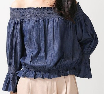 ☆新品 WEGOインディゴオフショルTOP☆M