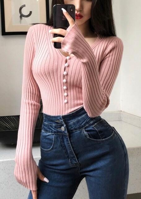 柔らか素材*ボタン付*Vネック*リブ素材*トップス*ピンク*伸縮性有り < 女性ファッションの