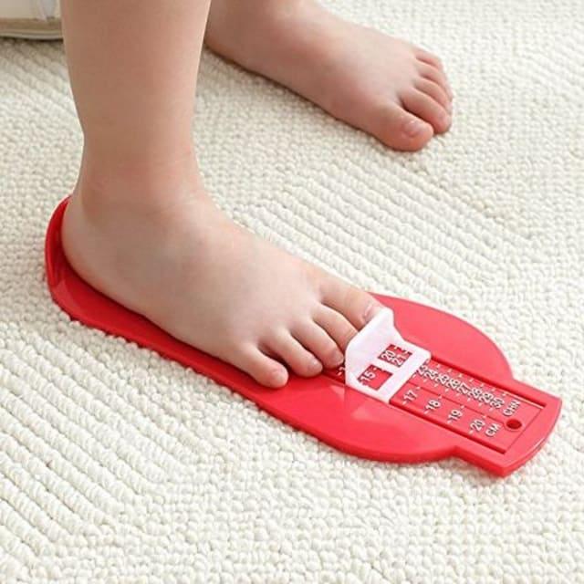 幼児 ベビー 足の測定器 【グリーン】  < キッズ/ベビーの