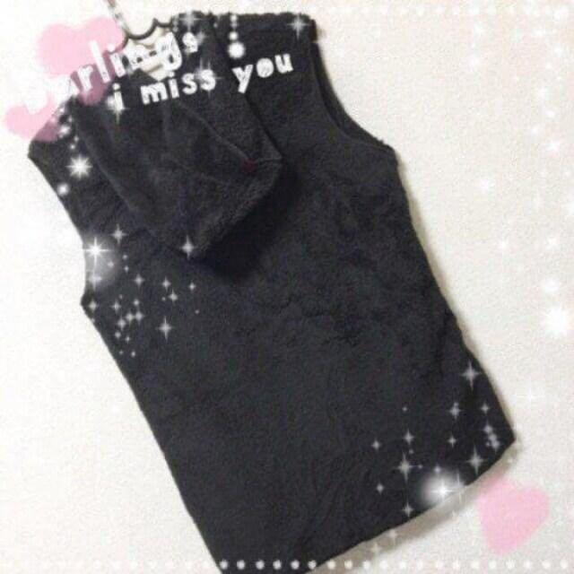 新品☆モコモコ薄手♪腰紐付きフード付きベスト ブラック F < 女性ファッションの