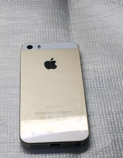 iphone 5s 32GB ケースつき < 家電/AVの