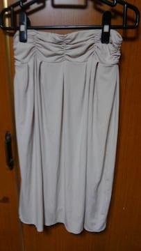 �H ベージュのスカート