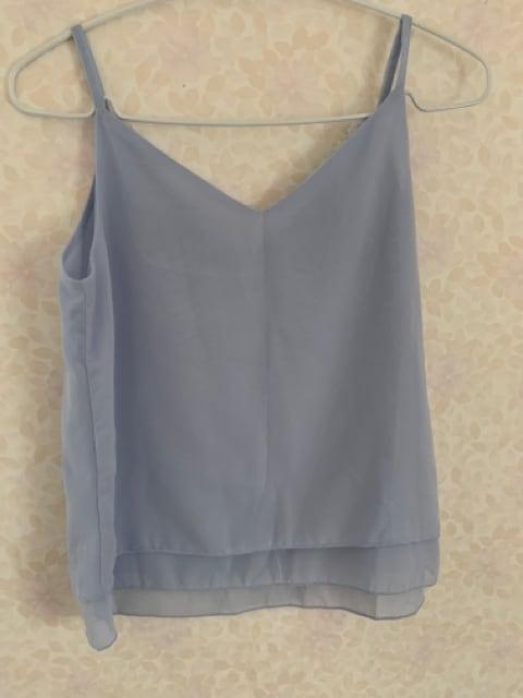 シフォンキャミチュニック美品スカイブルー胸レースSサイズ < 女性ファッションの