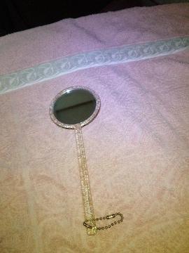 かわいい持ち手の長い手鏡