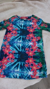 ブルーピンクハイビスカス Tシャツ Mサイズ
