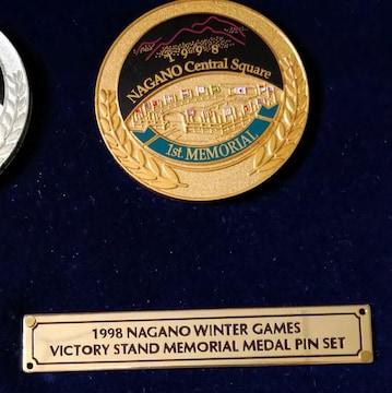 WINTER GAMES  記念 金、銀、銅、メダル ピン セット