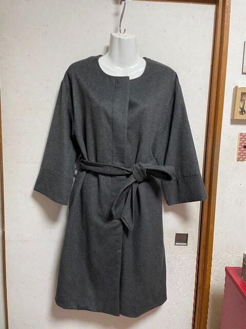 フェイクファー付きノーカラーロングコートM〜Lチャコールグレー < 女性ファッションの