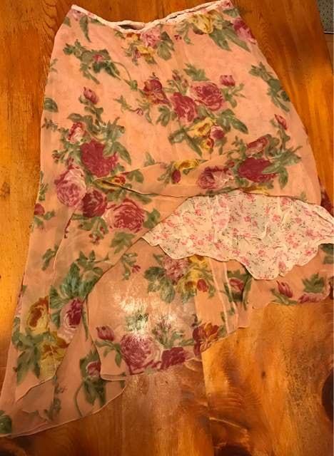 重ね穿き斜めに透けとる長いスカート サイズL  < 女性ファッションの