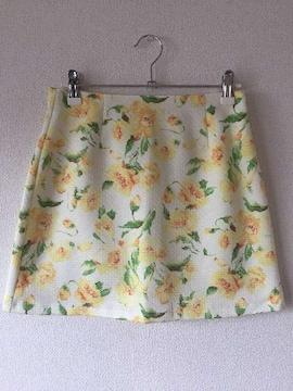 セシルマクビーCECIL花柄フラワー台形ミニスカート白ホワイトダチュラリエンダイング