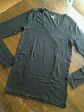 GAP★新品同様★Vネック長袖Tシャツ★ロンT★黒★ギャップ★