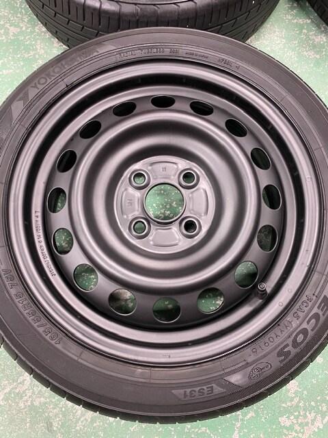 7071566)激安美品ツヤ消ブラックスチ-ルホイ-ル国産タイヤセット165/55R15送料無料 < 自動車/バイク