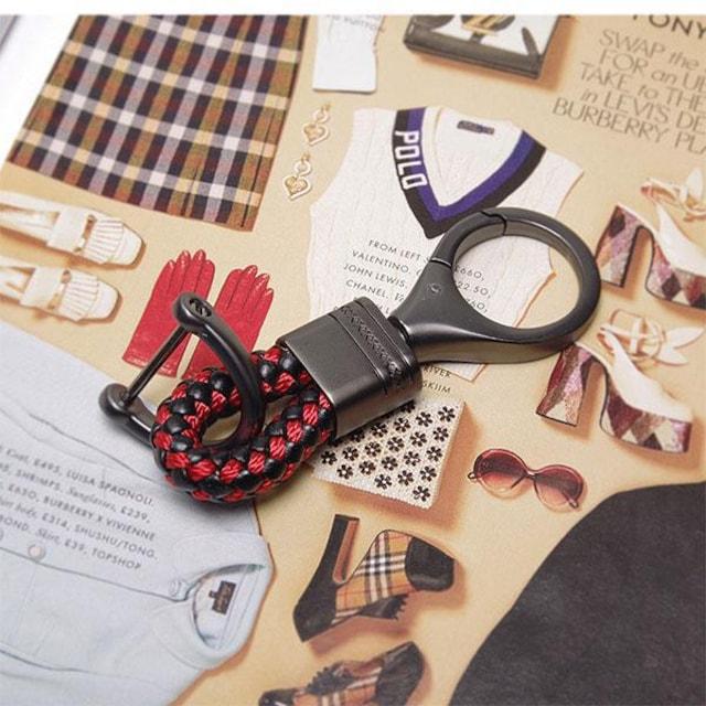 ¢M おしゃれでかっこいい 編み込みレザー スマートキーホルダー/BK < 男性ファッションの