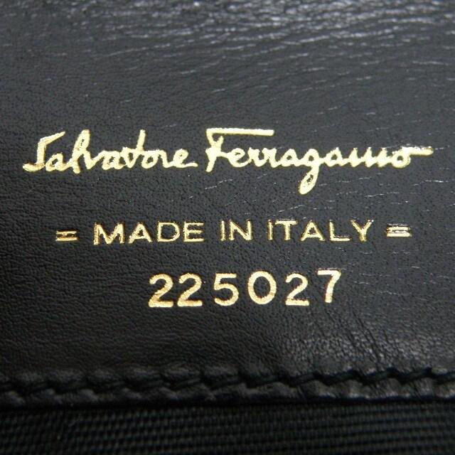 美品Ferragamoフェラガモ コインケース 財布 黒 良品 正規品 < ブランドの