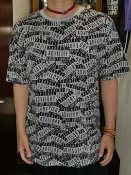 送料無料☆PARENTALADVISORYロゴ総柄Tシャツ☆L(USサイズ)