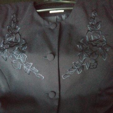 ジャケット◇紺 9号 M 紺糸花刺繍◇中古