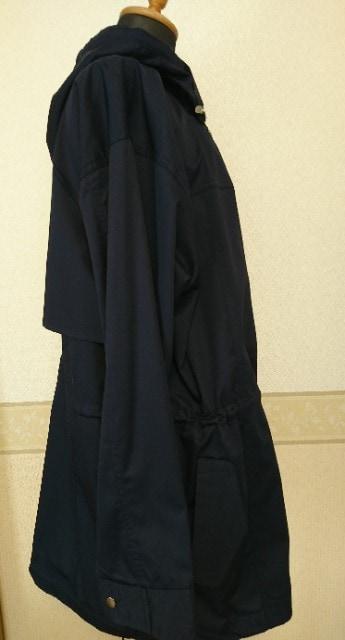 新品 タグ付き  スプリングコート 紺