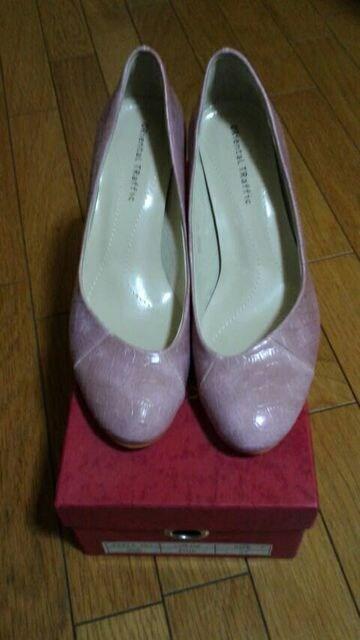 ☆新品・未使用・23�p・ピンクヒール・箱有り・即決有り☆  < 女性ファッションの
