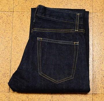 美品 W27 ユニクロジーンズ 濃紺ストレート /  股下82cm