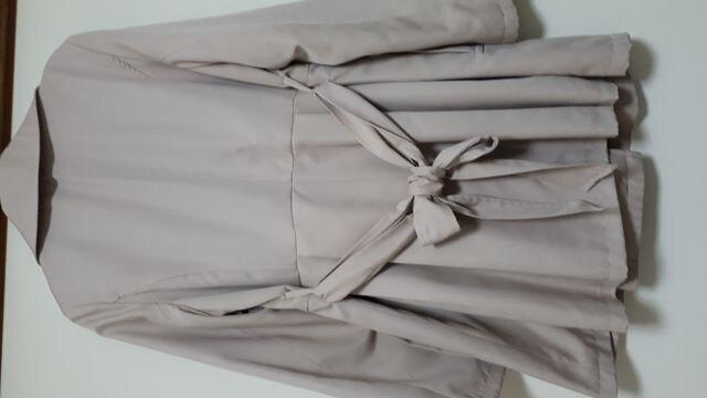 新品 トレンチコート/スプリングコート 可愛いベージュピンク < 女性ファッションの