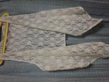 白の花柄レース・ジレ(*^-^*)160〜美品