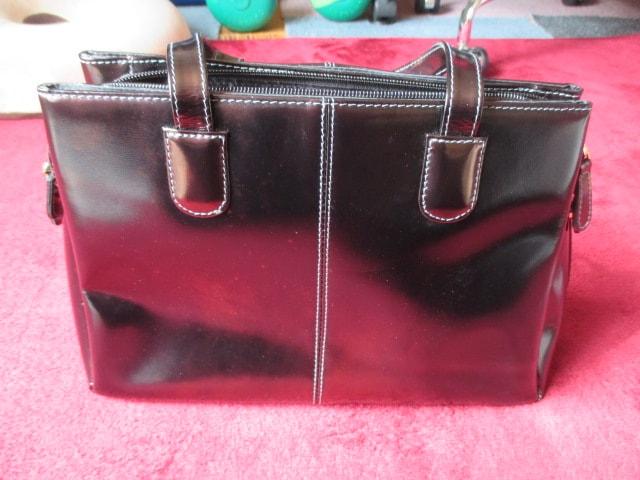 GENUINE LEATHER 本革 ハンドバッグ ブラック  < 女性ファッションの
