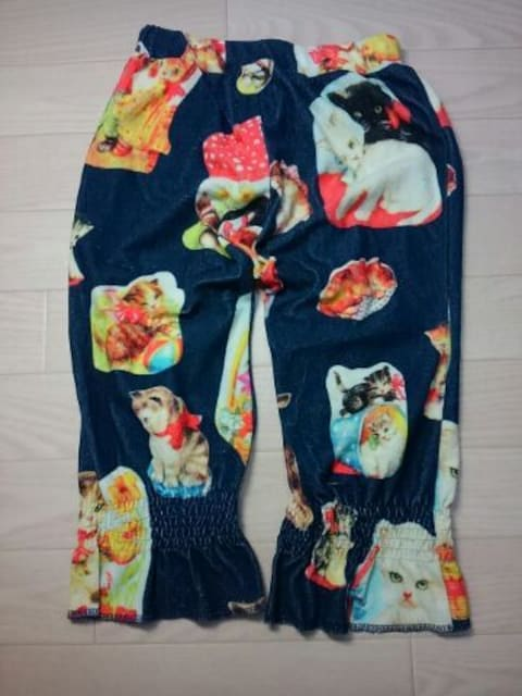 ●ムチャチャ● ネコ柄転写プリ パイル生地パンツ M < ブランドの