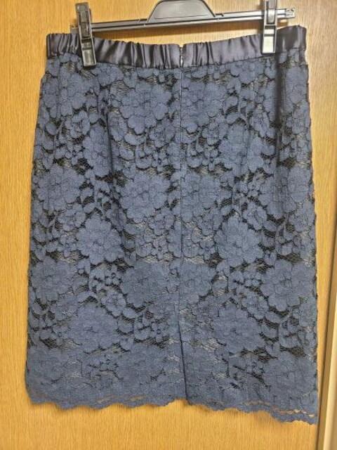 INDIVI昨季美品ネイビーレース柄タイトスカート大きいサイズ4212号13号コットン混 < ブランドの