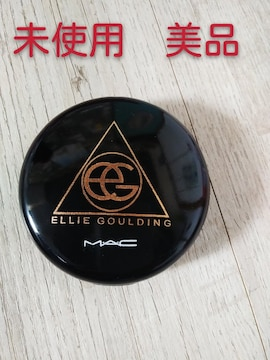 M・A・C ファンデーション