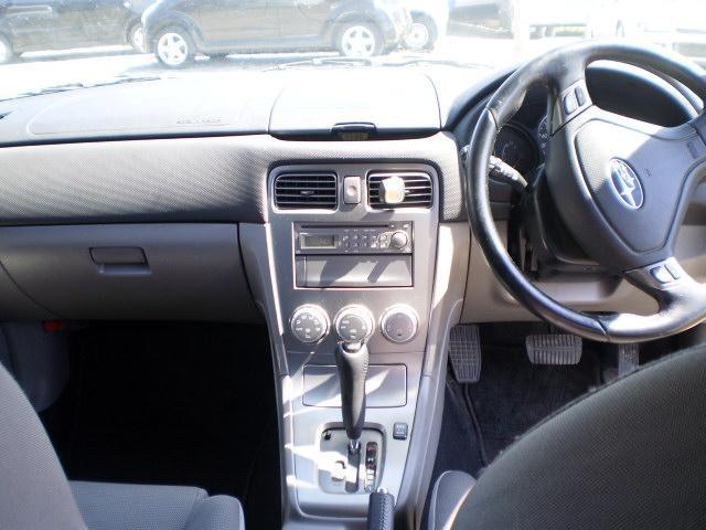激安売切り信頼のスバル4WD車検たっぷり人気のホワイトAT < 自動車/バイク