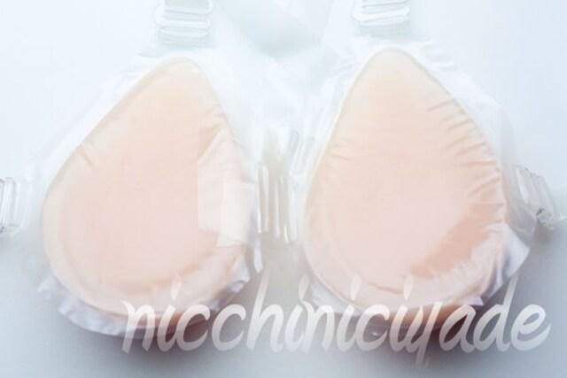 視線が嬉しい■シリコンバスト800gブラ■人工乳房バストup < 女性ファッションの