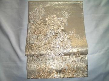 梅松木紋様の袋帯