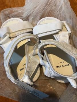 新品 タグ付き 西松屋 白サンダル ベルト調整 14cm