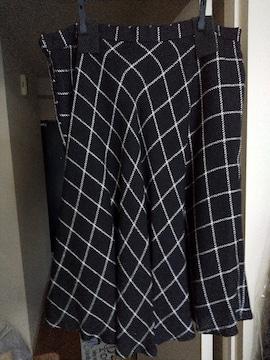 冬服…スカート。