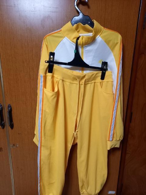 �H 黄色の上、下セット  < 女性ファッションの