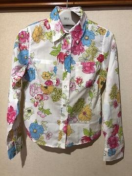 新品タグ付き《ドスチ》鮮やかな花柄ブラウス☆定価3801円