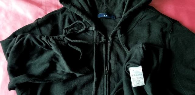 ★GU黒ブラック綿コットン半袖シャーリングリボンロングパーカー < ブランドの