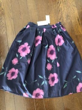 新品未使用セシルマクビー花柄スカート