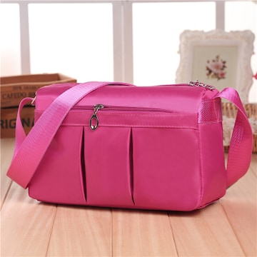 新品無地ナイロン素材防水ショルダーバッグ斜め掛けOKレディース桃ピンク