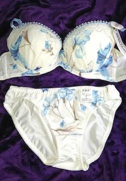 �E AM0112 C80/L 白×水色花 ブラジャーショーツセット パンティー NBF